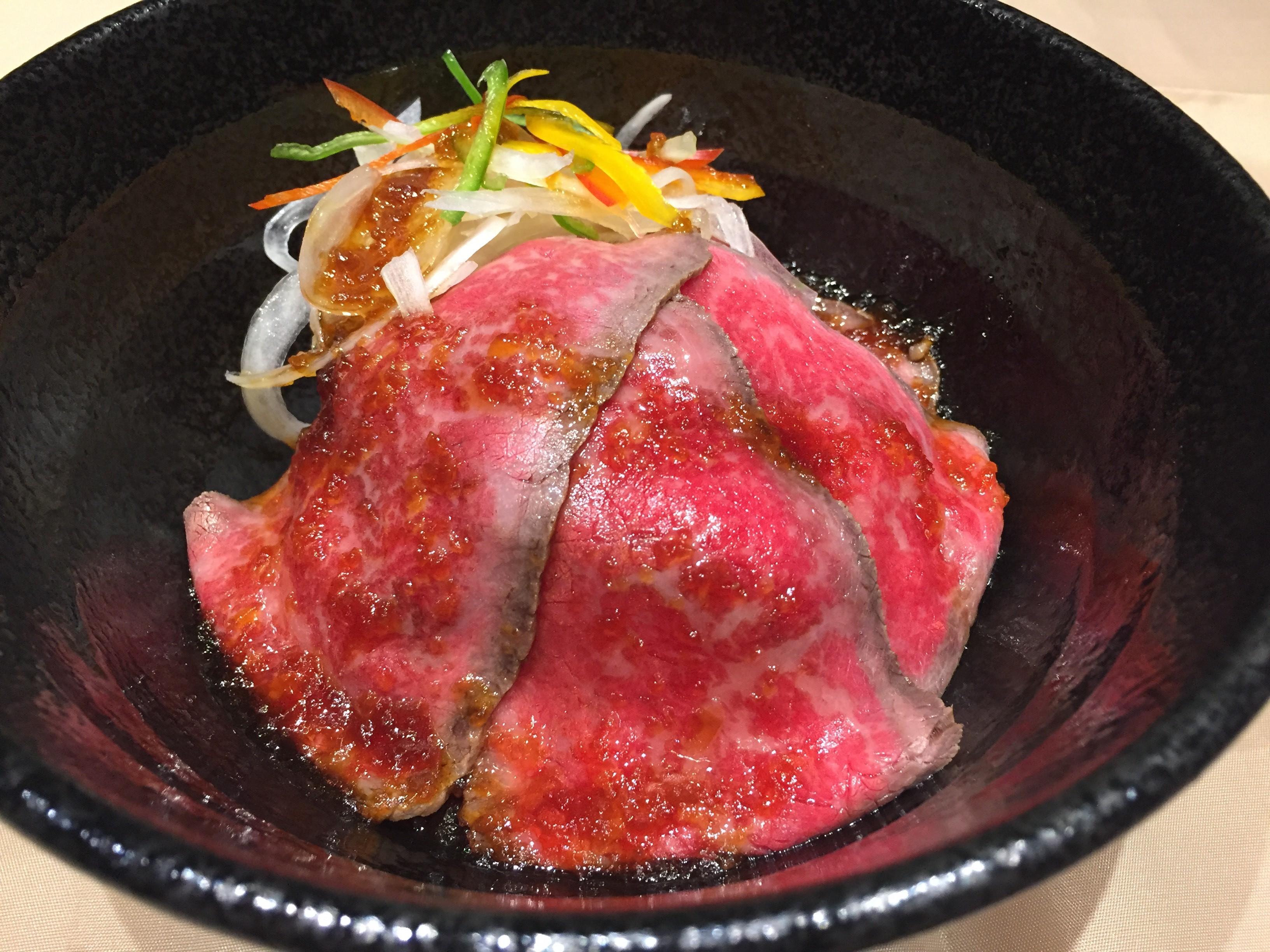 ローストビーフ丼(たれあり寄)